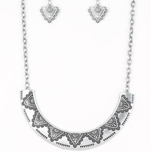 Paparazzi Persian Pharaoh Silver Necklace Set